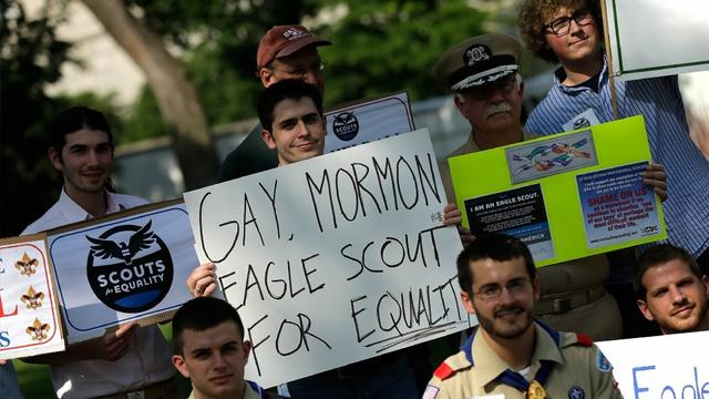 Headline: Boy Scouts to vote on gay youth ban