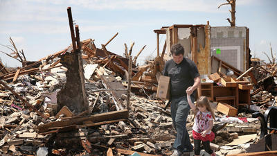 Oklahoma tornado toll at 24 dead, 377 hurt as recovery speeds up