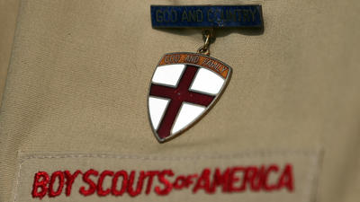 Boy Scouts of America lifts ban on gay youth