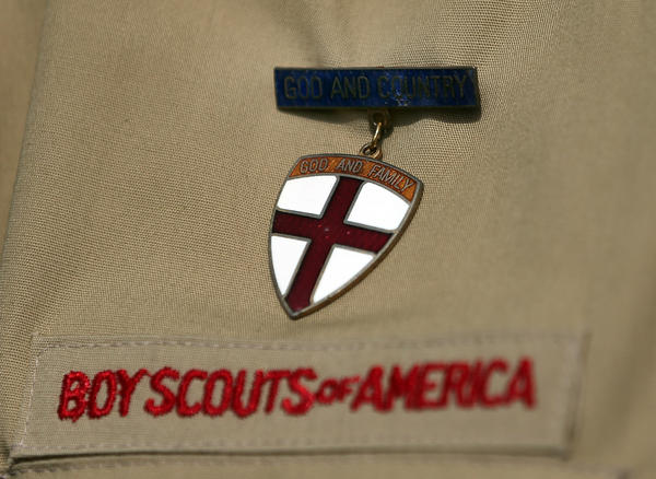 The Boy Scouts of America national council voted Thursday to lift its ban on gay youth.