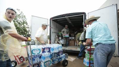 Oklahoma tornado: Relief center offers supplies and comfort