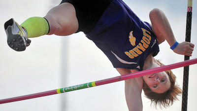 Prep Outdoor Track & Field: County athletes win two golds at states