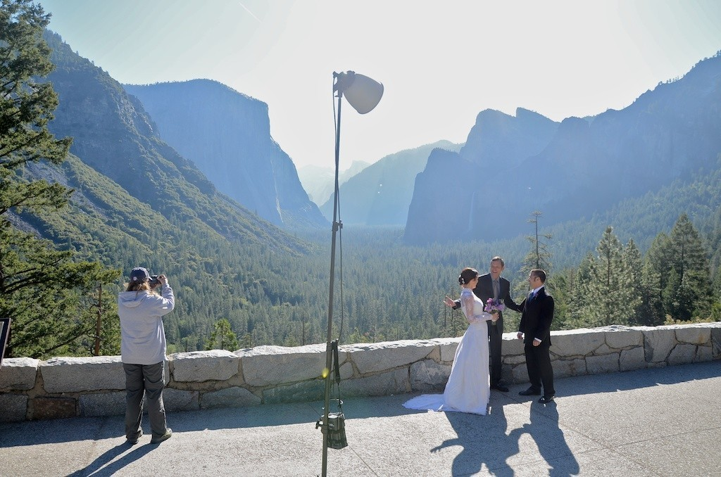 Yosemite: In spring, whispers, vows and dinner on a rock - Tunnel view: Morning vows