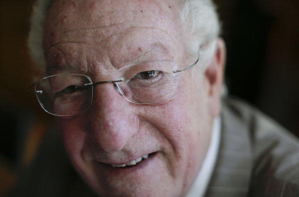 Oscar Goodman, the former Las Vegas mayor, branded the city with a larger-than-life persona.
