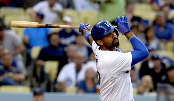 Matt Kemp's frustration at the plate continues in batting practice, prompting the Dodgers outfielder to break a bat over his thigh on Friday.