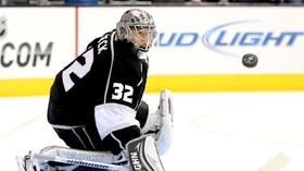 Kings give Jonathan Quick credit, even if Sharks won't