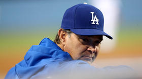 Don Mattingly shows fire, but his flame is flickering with Dodgers