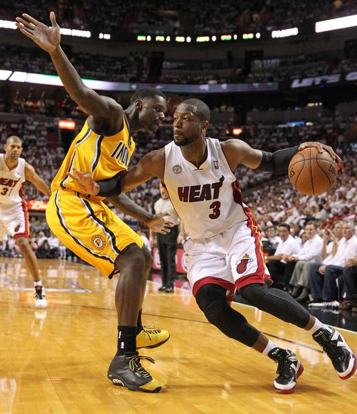 The Heat's Dwyane Wade drives against the Pacers' Lance Stephenson during Game 2.