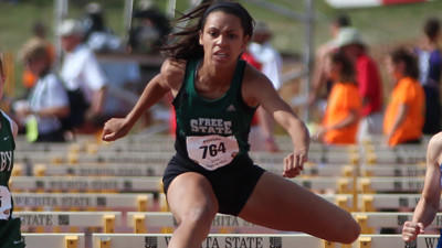 Daughter of Derrick Thomas turns heads at state meet