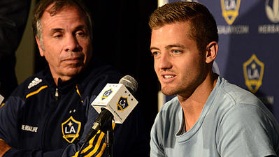 Robbie Rogers, first openly gay MLS player, joins L.A. Galaxy