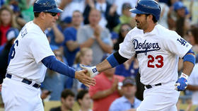 Dodgers rally for 5-3 win as Ted Lilly shines, Matt Kemp fumes