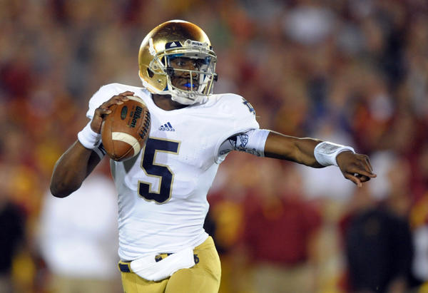 Notre Dame quarterback Everett Golson throws a pass against the Southern Cal.