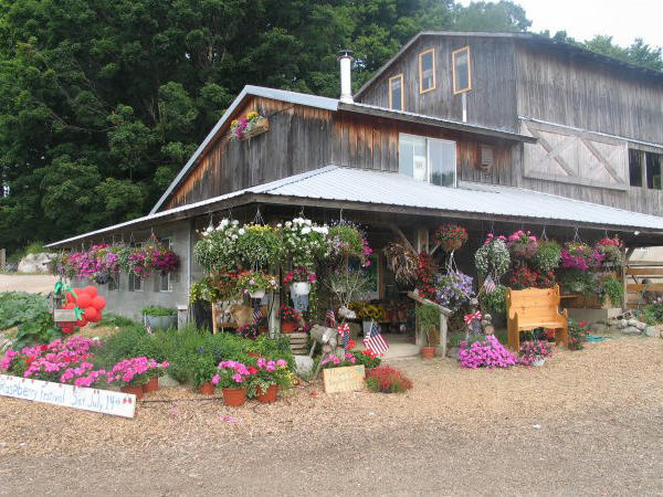 Pond Hill Farm hosts farm-to-table dinners that are ideal for a date night out.