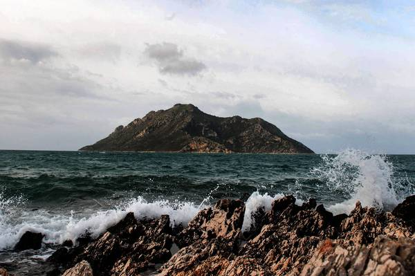 The emir of Qatar bought Oxia and five other Greek islands in the Ionian Sea from a private owner. Several rich Russians and Arabs have since expressed interest in making similar purchases.