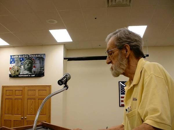Homer Glen 159th Street business owner Bob Schmidt speaks to the Homer Glen Plan Commission meeting on May 20.