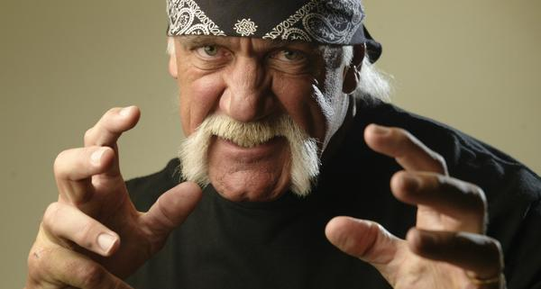 Hulk Hogan burns hand
