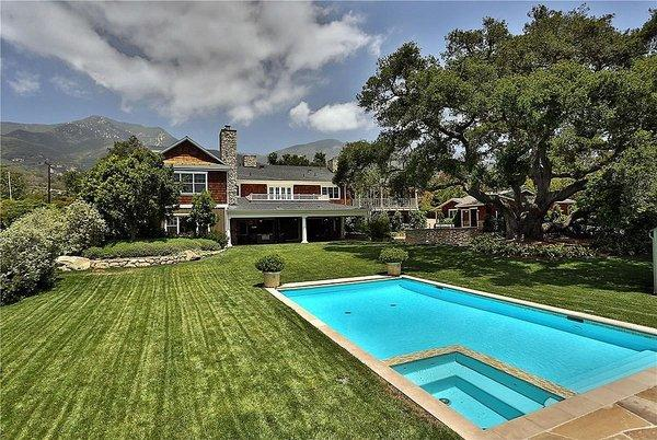 Actor Dennis Franz has put his New England-style home in Montecito on the market at $7.65 million.