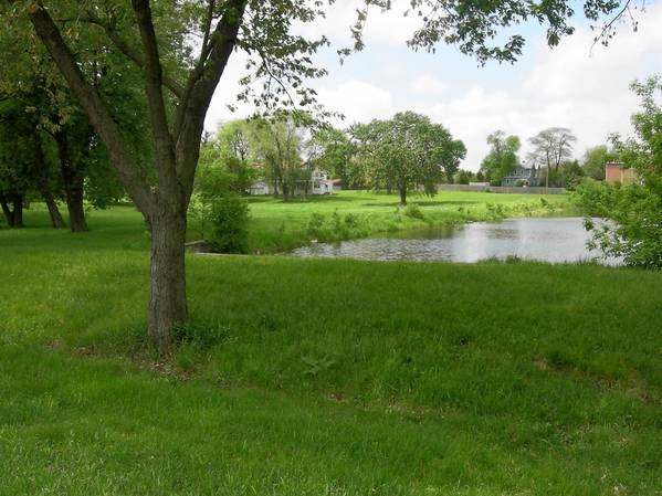 The Westmont Park District plans to buy land near 56th Street and Wilmette Avenue for a new park.