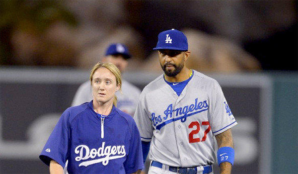 "Matt Kemp is scheduled to undergo an MRI exam Thursday after suffering what Manager Don Mattingly described as a ""mild"" right hamstring strain."