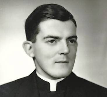 The Rev. John Blackall found his mission in life as the first priest to minister to a low-income Hispanic community in Waterbury. He died May 18, at age 86.