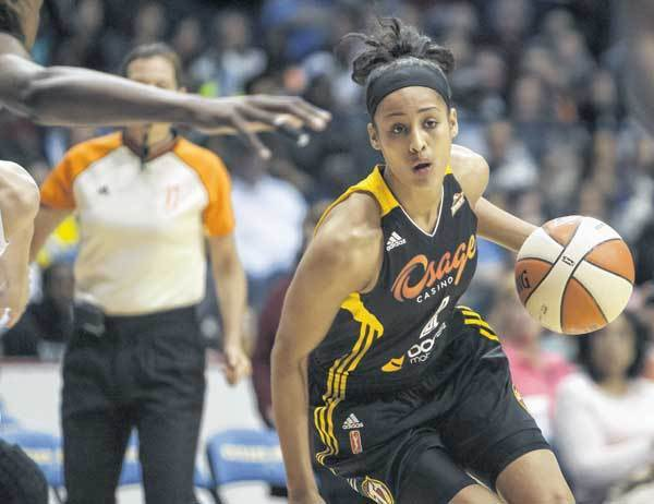 Tulsa Shock rookie and former Notre Dame standout Skylar Diggins drives to the basket during Sundays WNBA game against the Chicago Sky.