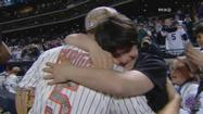 David Wright shares a special moment with a young Mets fan after sweeping the Yankees.