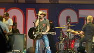 Jason Aldean with Jake Owen and Thomas Rhett - Night Train Tour