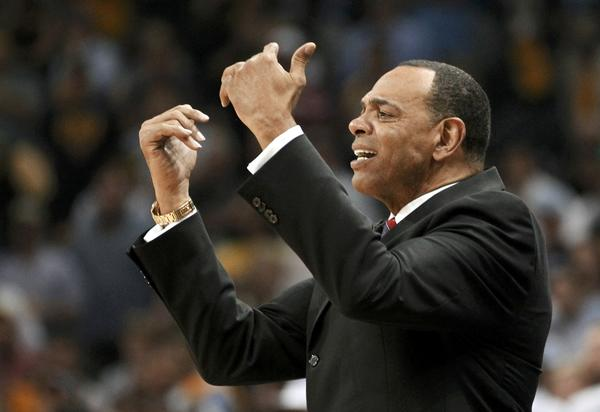 Grizzlies coach Lionel Hollins directs his team against the Spurs during the playofs.