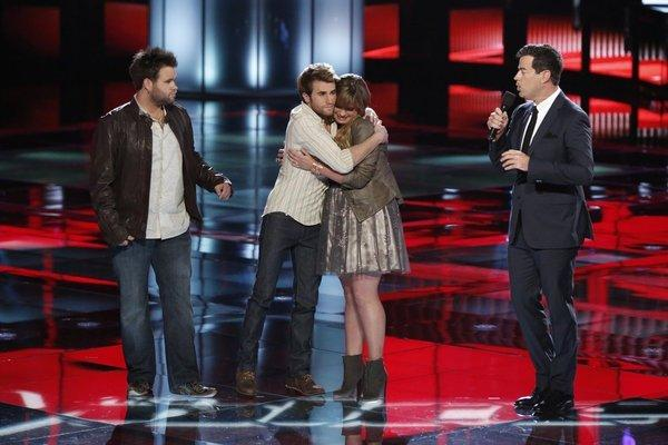 Zach Swon and Colton Swon of the Swon Brothers, Holly Tucker and Carson Daly on 'The Voice'