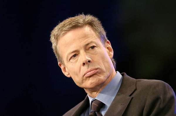 Time Warner chief executive Jeff Bewkes announced a partnership with China Media Capital.
