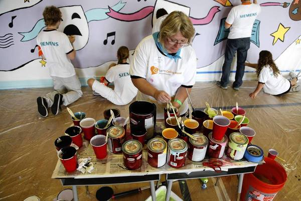 Volunteers at work during the 2010 Serve-a-thon.