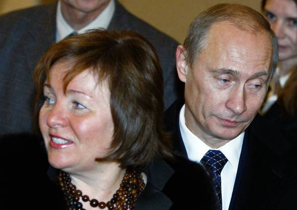 Russian President Vladimir Putin and his wife, Lyudmila Putina, in December 2007. The couple have announced they are divorcing, less than two months before their 30th anniversary.