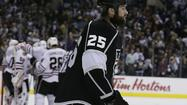 Kings suffer a third-period freeze-out by Blackhawks
