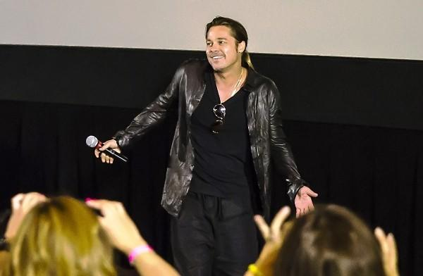 "Brad Pitt made a surprise appearance at the AMC River East movie theater in Chicago on Thursday to promote his new movie, ""World War Z."""