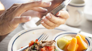 The food journal: A little tech could make it stick