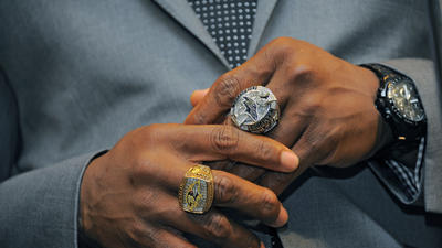 Champion Ravens receive Super Bowl rings