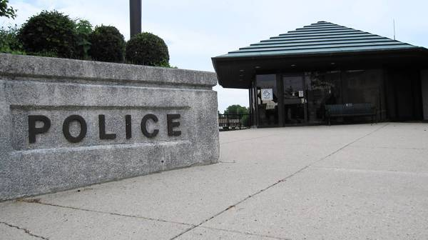 St. Charles approved a new contract for its police officers.