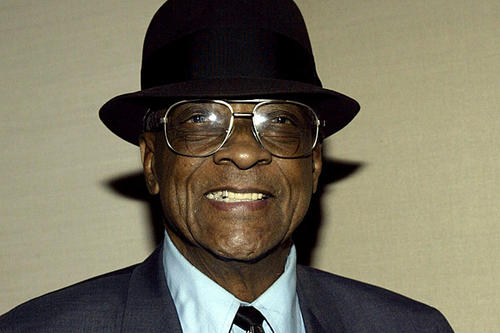 """Hubert Sumlin's snarling guitar helped define Howlin' Wolf's sound. Though Sumlin never attained a fraction of the fame of his celebrated boss, he is revered by fellow blues musicians. He was 80. <a href=""""http://www.latimes.com/news/obituaries/la-me-hubert-sumlin-20111210,0,2854978.story""""><span class=""""center_label"""">Full obituary</span></a><br> <br> <a href=""""http://www.latimes.com/entertainment/news/music/la-me-2011notables-music,0,5690516.photogallery""""><span class=""""center_label"""">Notable music deaths of 2011</span></a>"""