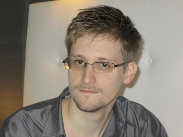 Defense contractor Edward Snowden revealed spy programs 'to inform public'.