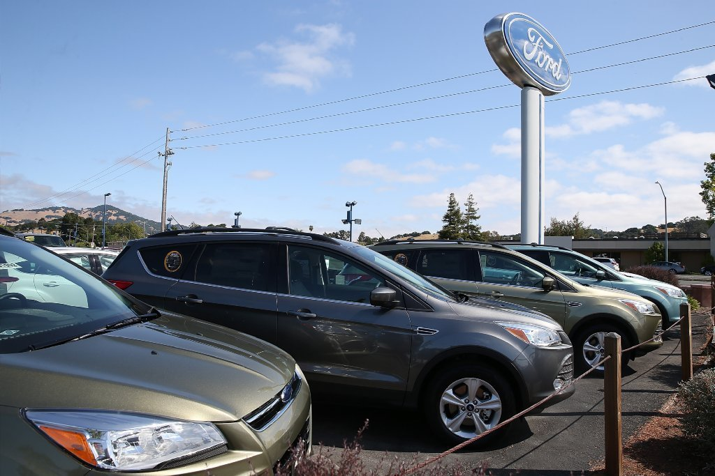 Ford Recalls 390 783 Cars And Suvs For Fuel Leak That