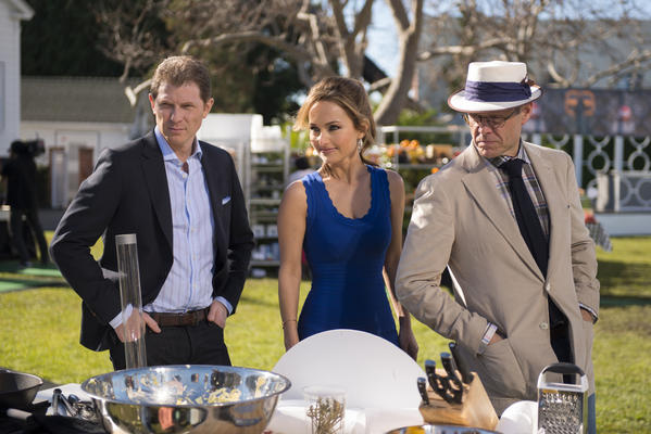 "The Selection Committee Bobby Flay, Giada De Laurentiis and Alton Brown checking in on Finalists cooking for the Star Challenge ""Burger Bash"" as seen on Food Network Star, Season 9."