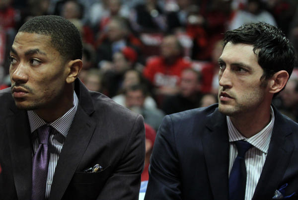 Derrick Rose and Kirk Hinrich on bench in street clothes was a common sight last season.