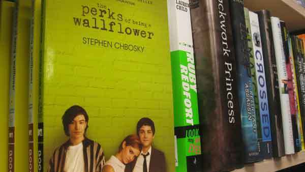 "Glen Ellyn School District 41 voted 6-1 Monday to allow ""The Perks of Being a Wallflower"" book back into eighth-grade classrooms."