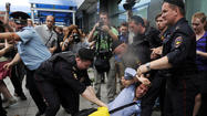 Clashes in Moscow over gay rights