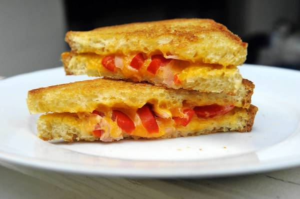 The Hellmer Fudd, grilled cheddar cheese with pickled onion, roasted red pepper and dijon.