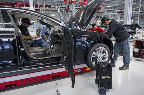 North American auto production will near 15 year high; but auto factory jobs won't
