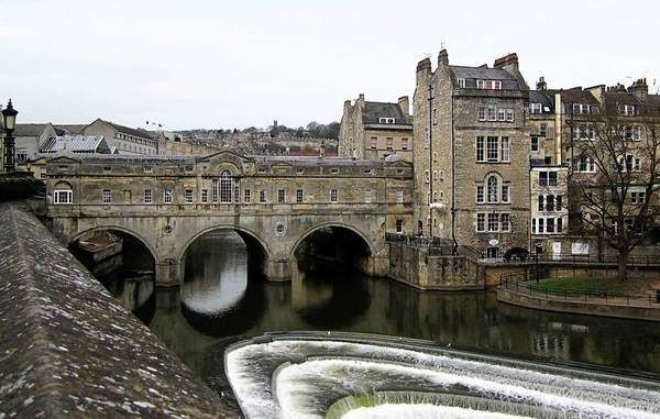 The shop-lined Pulteney Bridge is near No. 4 Sydney Place, the Austens' first and best lodging in Bath