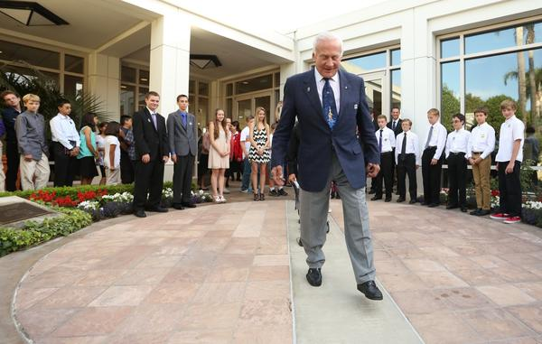Speaking in front of a friendly crowd of 880 at the Richard Nixon Presidential Library and Museum in Yorba Linda, Aldrin criticized the U.S. for not adequately leading the international community in space exploration