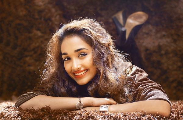 Notable deaths from 2013: Bollywood actress Jiah Khan was found dead at her home in Mumbai in an apparent suicide. Khan was 25 years old.