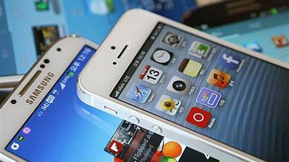 Apple's iPhone has lost market share to Samsung, which offers a phone with a bigger screen.